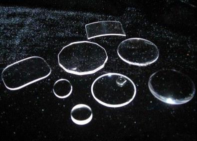 các loại mặt kính đồng hồ đeo tay
