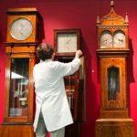 Ai phát minh ra đồng hồ quả lắc