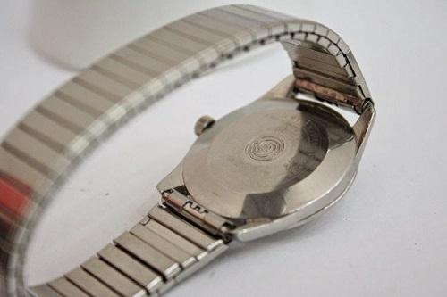 Thay dây kim loại đồng hồ ở Hà Nội